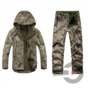 Winter Camouflage Kleidung hell bestehend aus Jacke & Hose mit Innenfutter